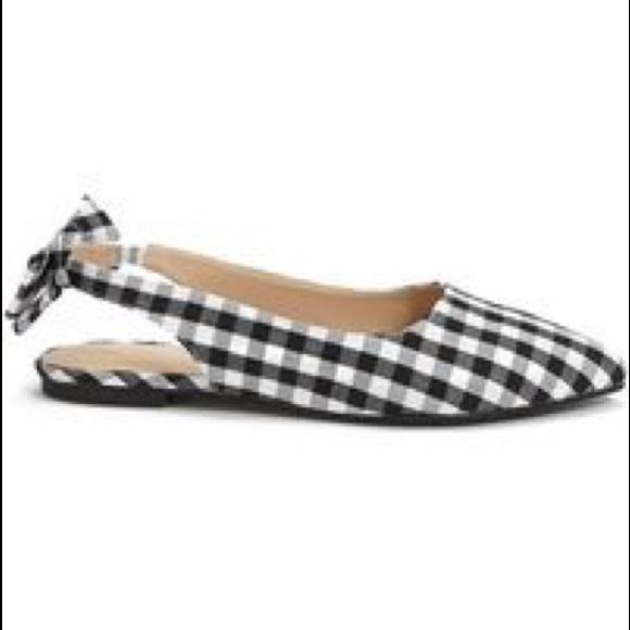 Flats Black White